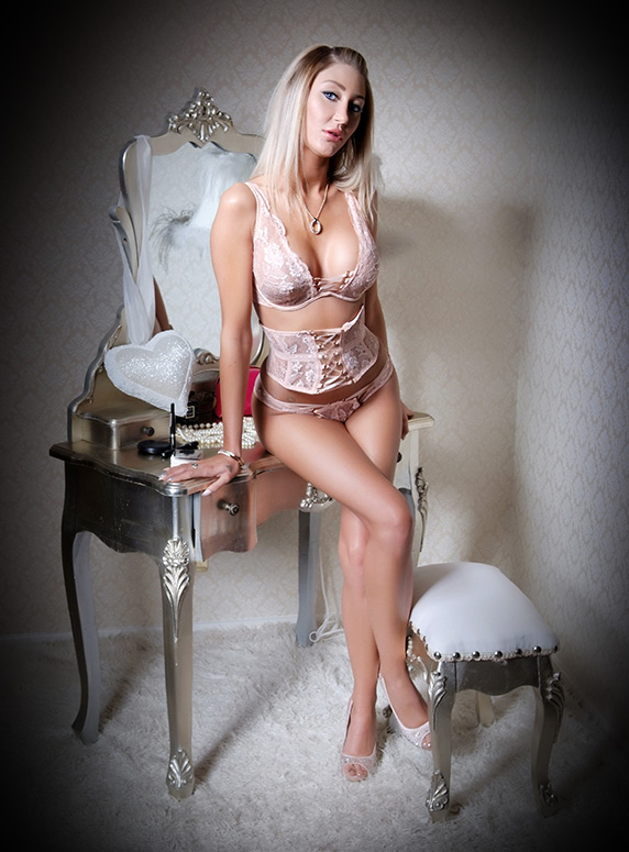 escort photography Wolverhampton